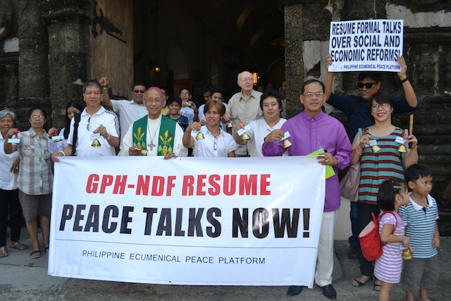Leaders of the Philippine Ecumenical Peace Platform (PEPP) led by Cagayan de Oro Archbishop and PEPP-co-chair Antonio Ledesma, SJ, reiterate their call to both government (GPH) and the National Democratic Front (NDF) outside the Malate Church in Manila Sunday after the 9 a.m. Mass for Peace on  International Day of Peace. It is also the 42nd anniversary of the declaration of  martial law. Photo courtesy of PEPP