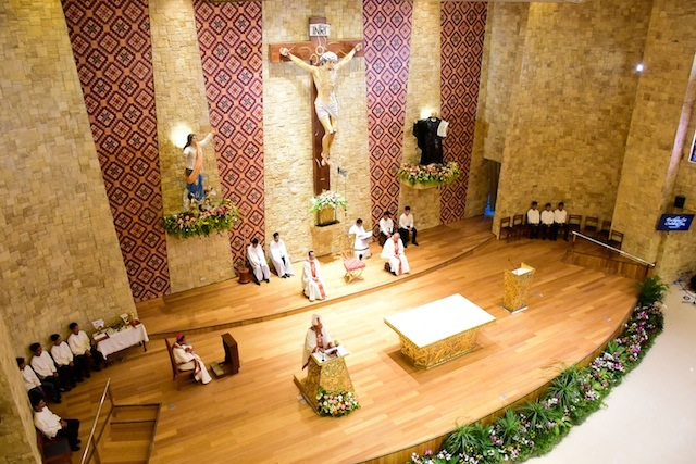 The University Chapel of Our Lady of the Assumption of the Ateneo de Davao University can accommodate some 700 faithful on the main floor and the mezzanine. Photo courtesy of Igy Castrillo