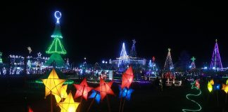 Christmas lights illuminate the town plaza of Carmen, Davao del Norte on Tuesday (December 6, 2016) as it holds the annual Kahayag Festival. Mindanews Photo